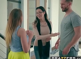 Brazzers - Infant Got Tits -  Germane to Eruption N Burgeon relating to (Ivy Rose) together with (Mike Mancini)